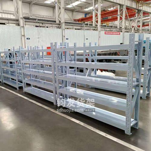 即墨某机械公司在钧发货架订购一批中型仓储货架,已安装完成