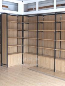恭喜莱州云峰家世界名烟名酒城第四连锁店在青岛钧发货架定制一批钢木结合货架木质酒柜并顺利安装完成