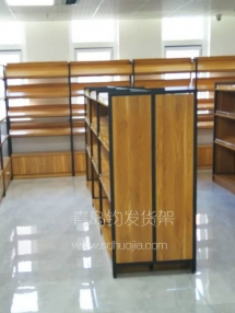 恭喜城阳高新区某贸易公司在青岛钧发货架定制一批钢木货架并顺利安装完成