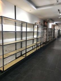 青岛市城阳区某商场在青岛钧发货架定制一批钢木展示架