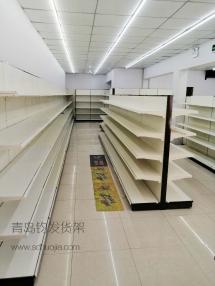 恭喜青岛长沙路某学校超市在青岛钧发货架定制一批超市货架并顺利安装完成!
