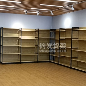 恭喜青岛某精品超市选购四角木纹转印安装完成
