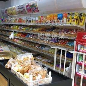 恭喜青岛某超市在钧发货架定制一批超市货架并顺利安装完成