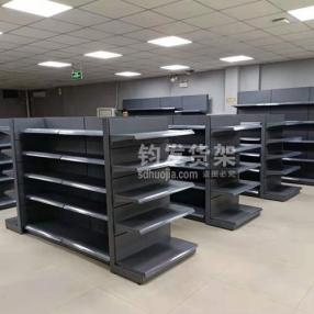 青岛南京路某超市在钧发货架定制一批超市货架货架安装完成