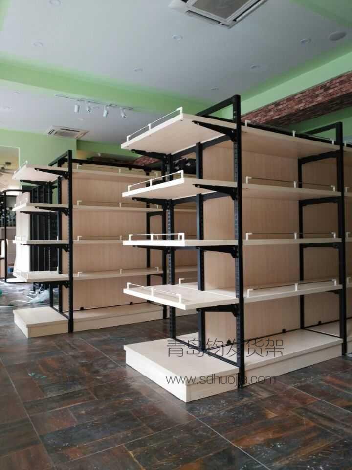 恭喜某红酒专卖店在我公司定制一批钢木结合货架