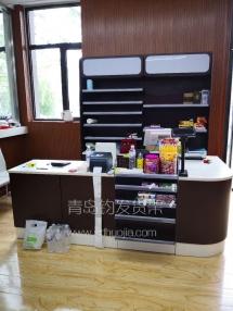 恭喜青岛李村某超市在我公司定制一批磨砂灰冲孔挂板超市货架并顺利安装完成